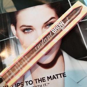 Benefit Instant Brow Pencil (Medium)